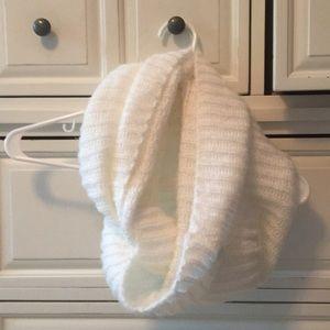 Warm loop scarf